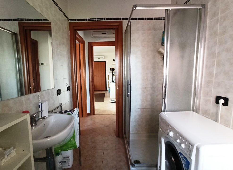 Casale di Mezzani recente trilocale bagno
