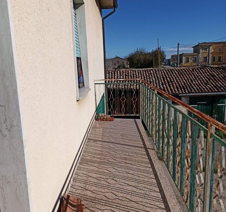 balcone casa in campagna Mezzano Inferiore
