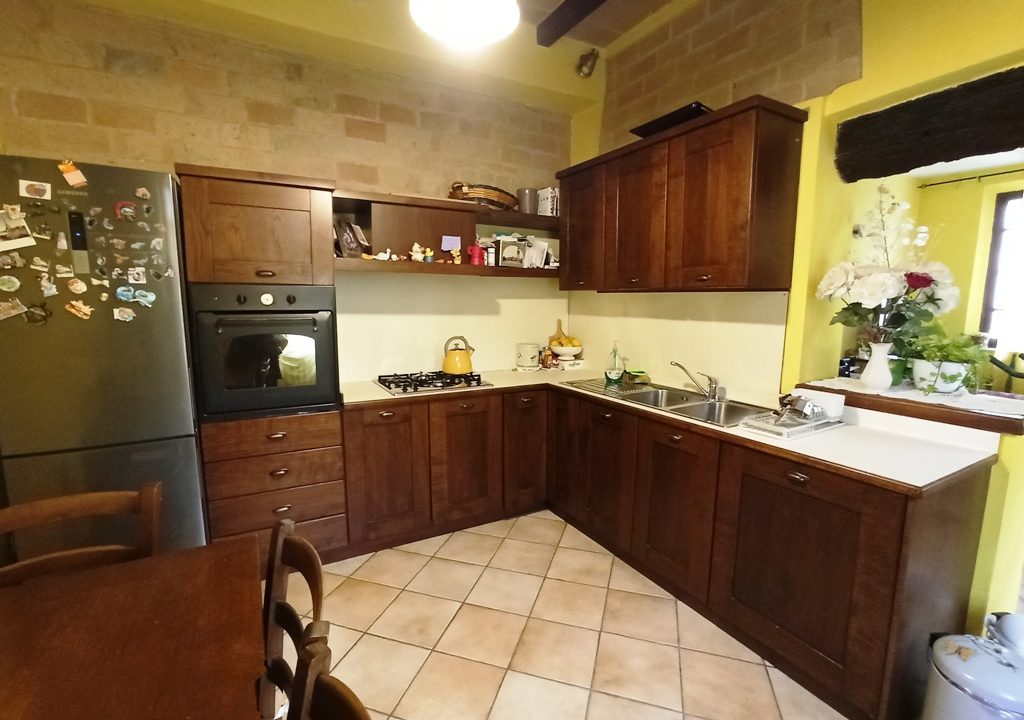 Ravadese cucina casa a schiera