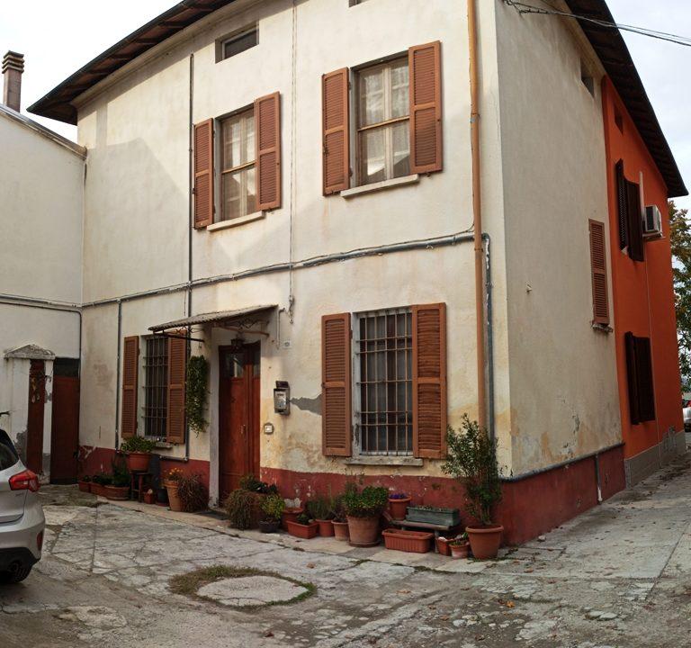 Ravadese facciata casa a schiera