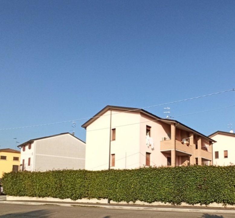 Casale di Mezzani recente trilocale facciata