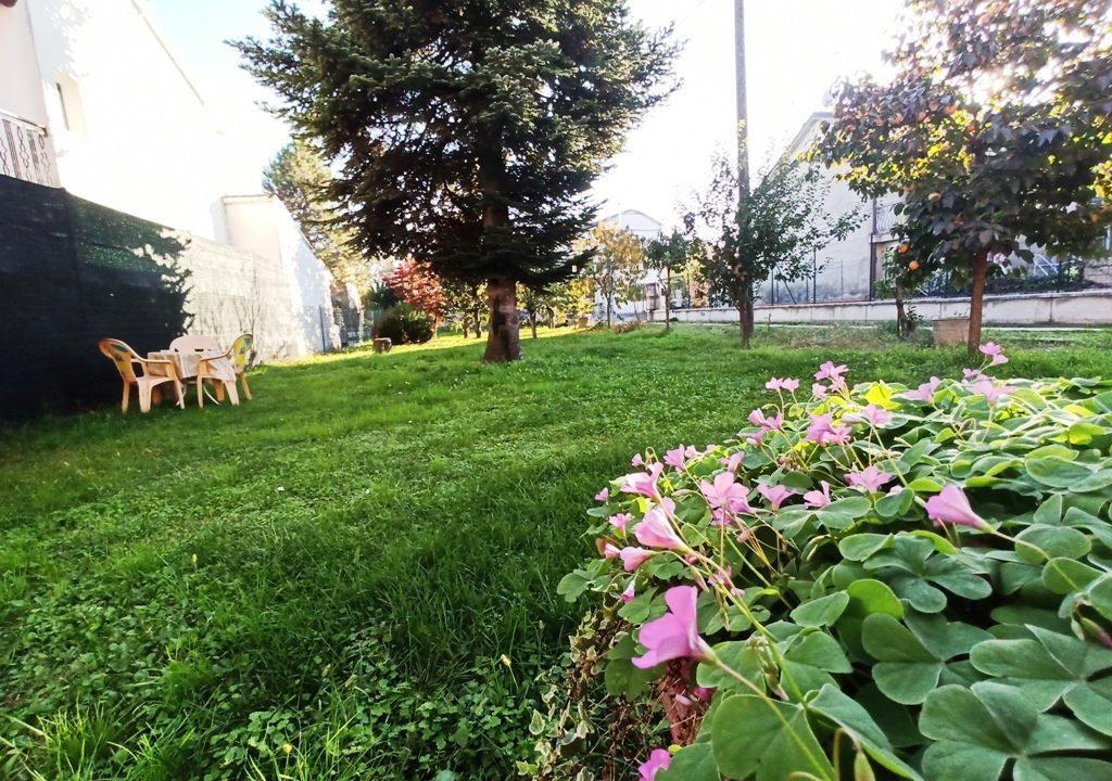 Mezzano Superiore villa con giardino