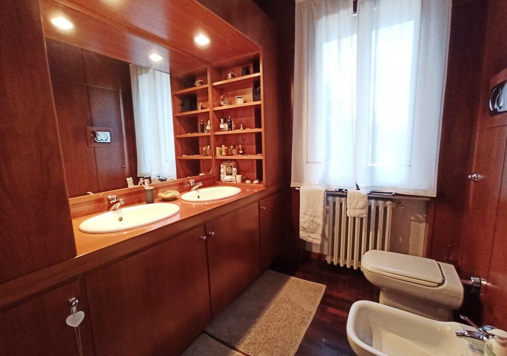 bagno 1°piano  villa Colorno