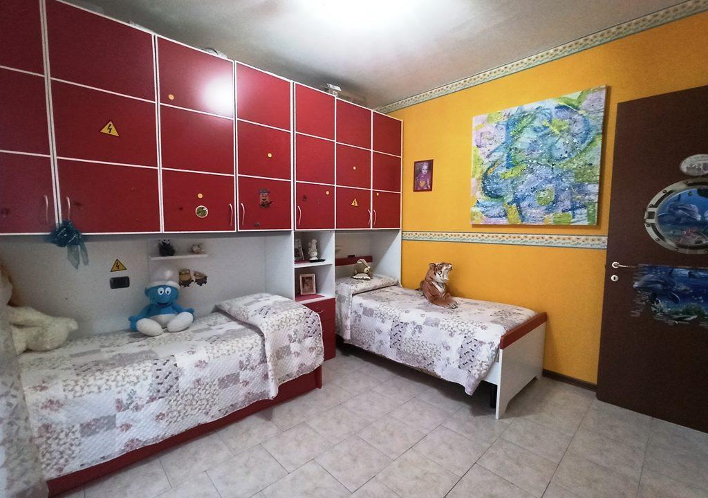 camera 2 appartamento con giardino Torrile