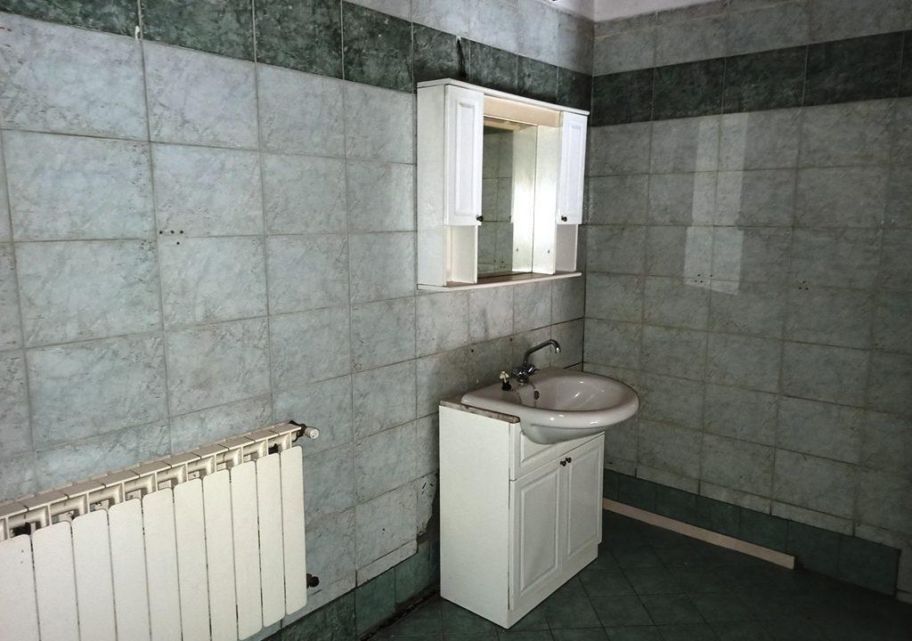 bagno 1°piano casa a schiera a Mezzani