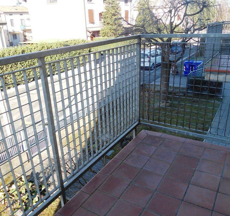 balcone 1 appartamento con 3 camere Mezzano Superiore