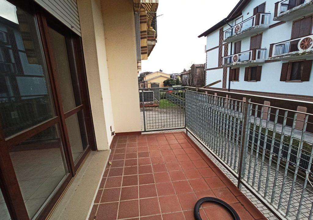 balcone 2 appartamento con 3 camere Mezzano Superiore