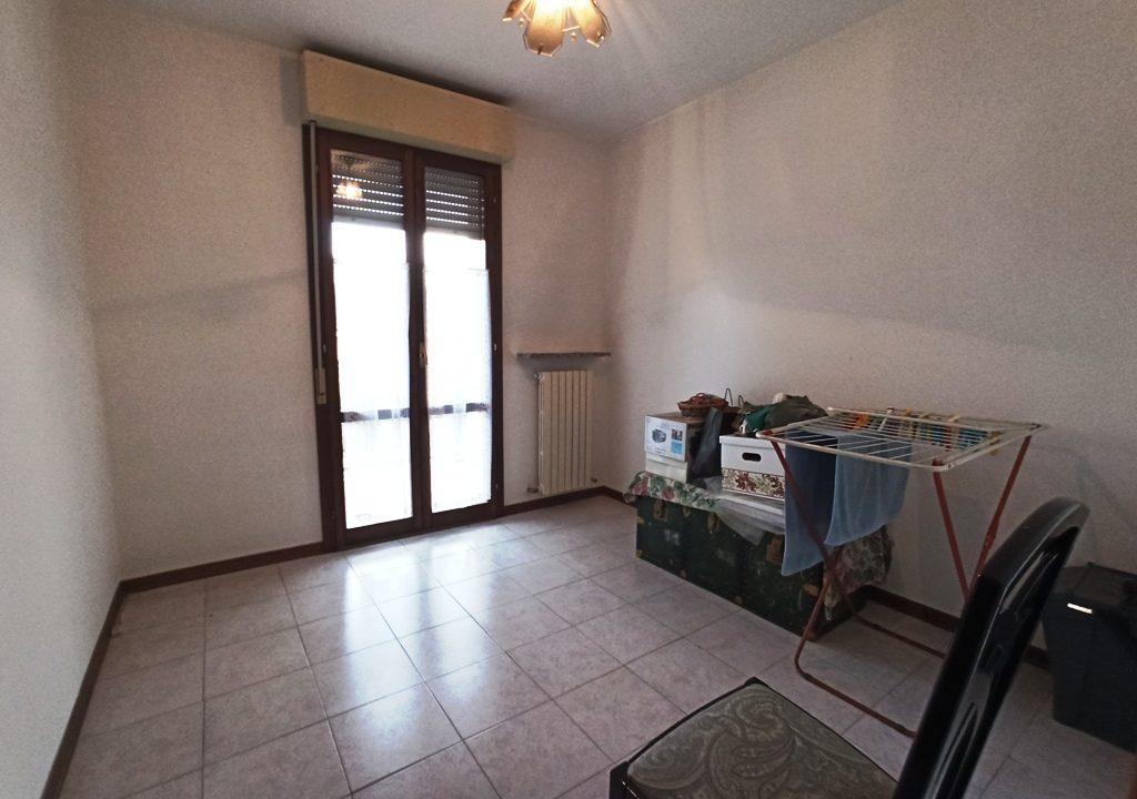 camera 2 appartamento con 3 camere Mezzano Superiore