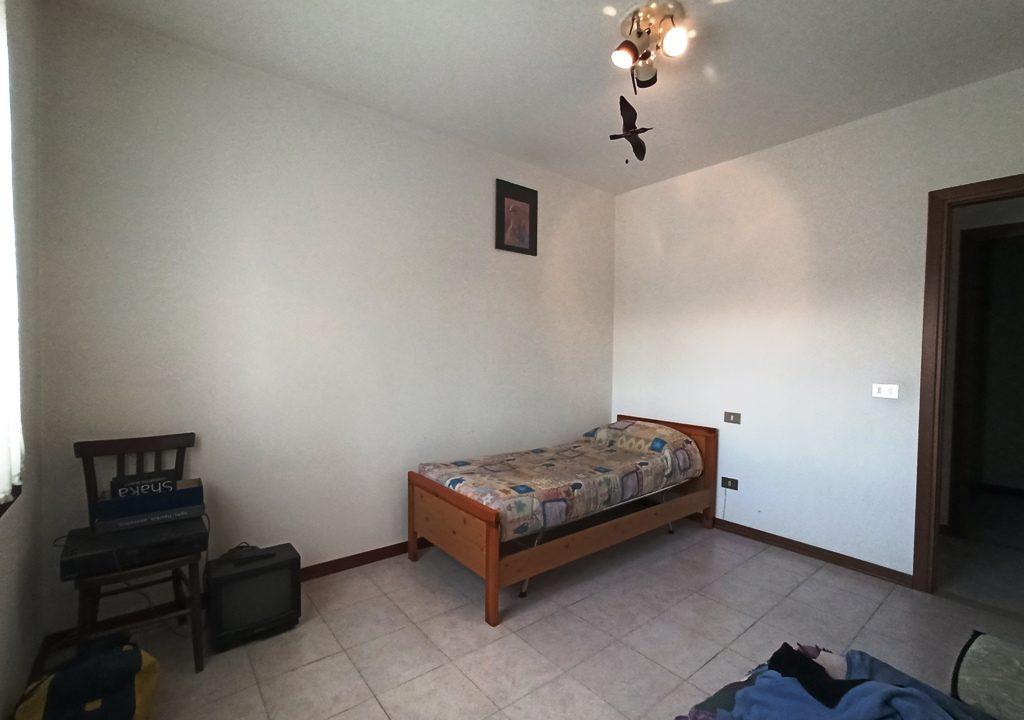 camera 3 appartamento con 3 camere Mezzano Superiore