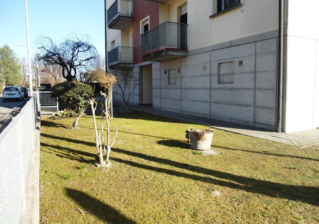 giardino appartamento con 3 camere Mezzano Superiore