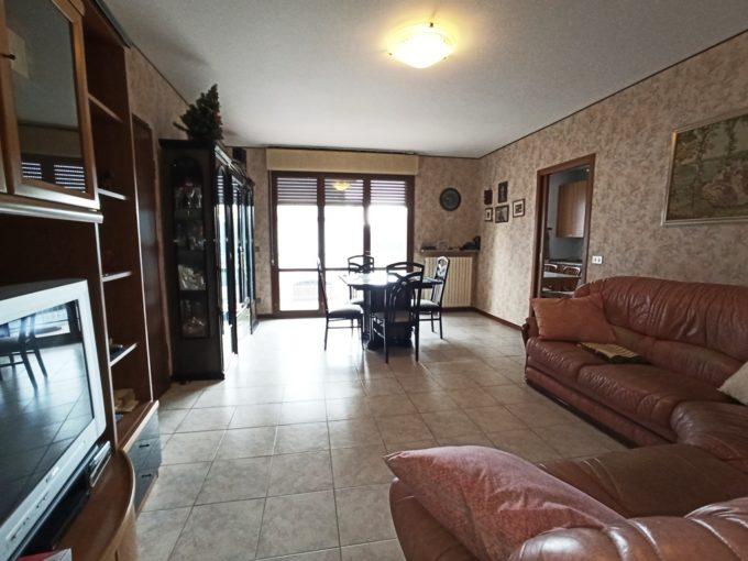 Appartamento con 3 camere e ampi spazi (Q5)