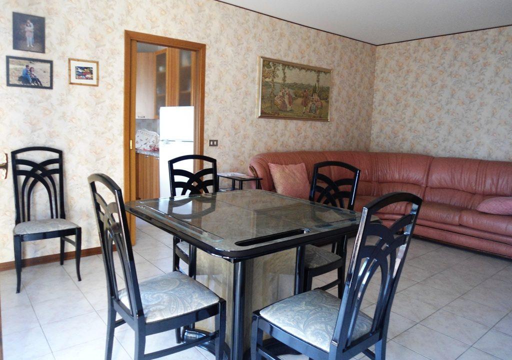 soggiorno appartamento con 3 camere Mezzano Superiore