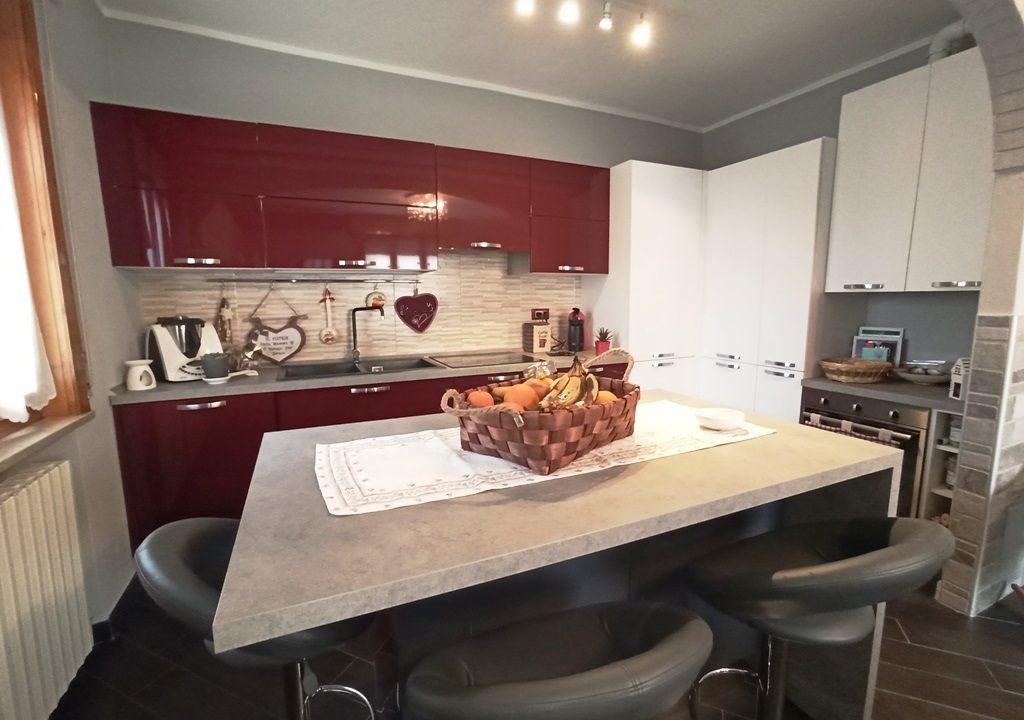 cucina appartamento con giardino Colorno