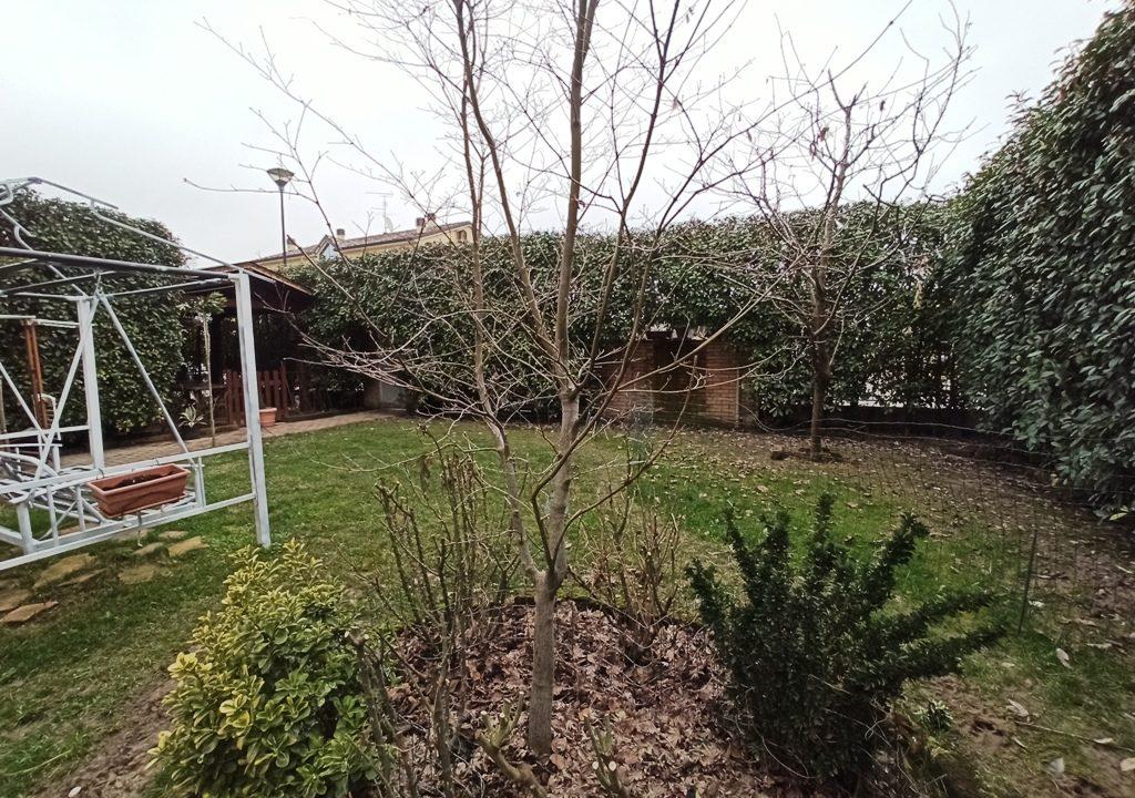 giardino appartamento con giardino Rivarolo
