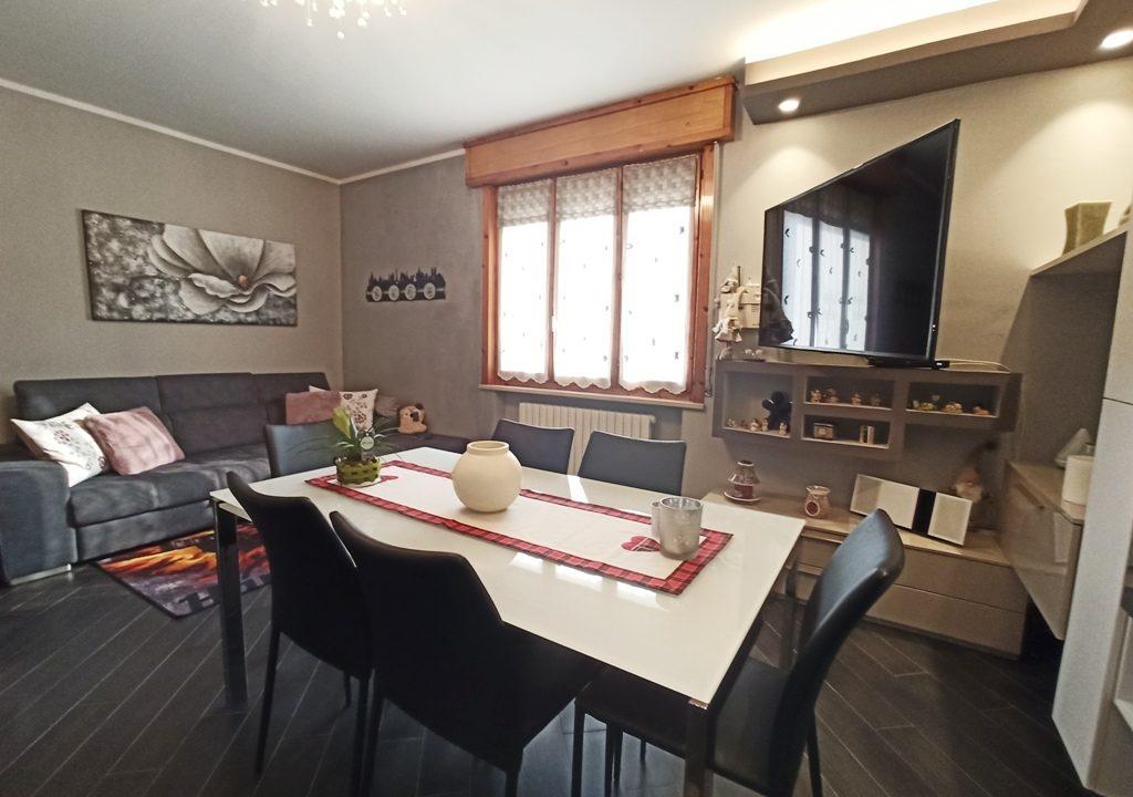 soggiorno appartamento con giardino Colorno