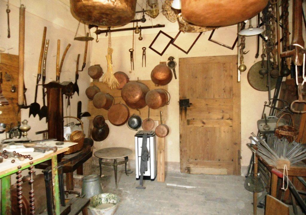 cantina casa in campagna da ristrutturare Parma