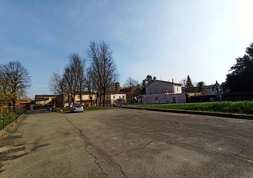 cortile trilocale Gramignazzo