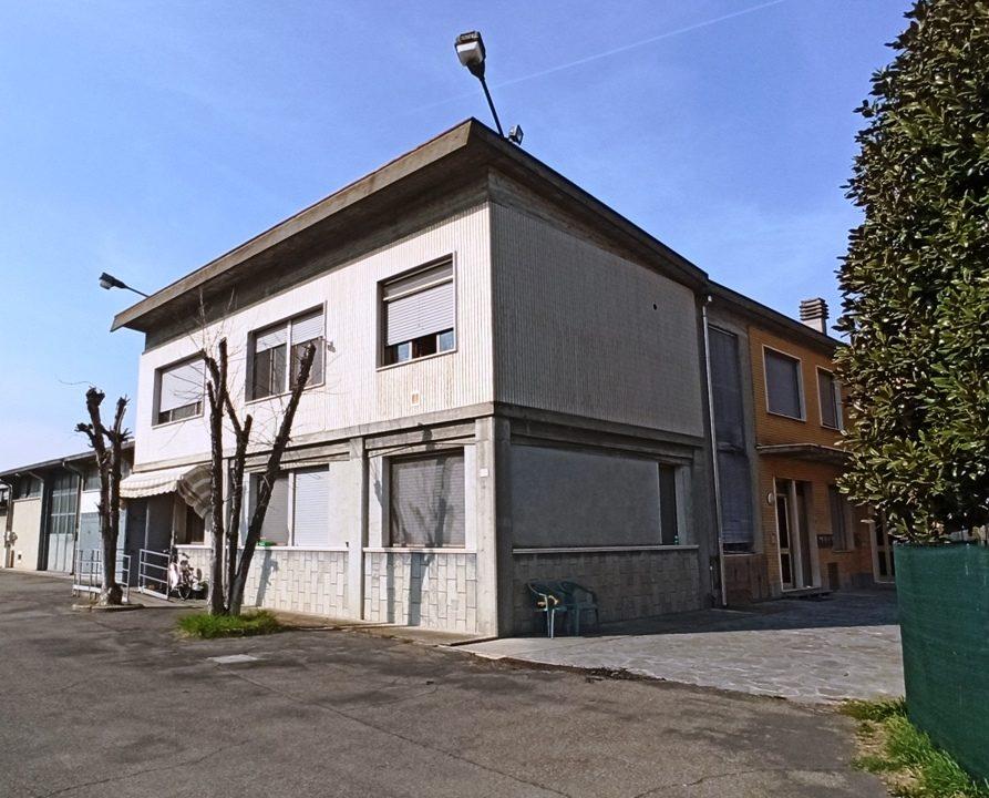 facciata trilocale Gramignazzo