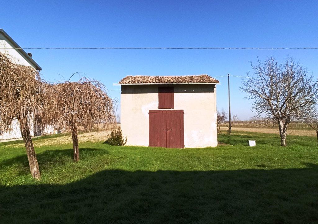 garage casa da ristrutturare Colorno campagna