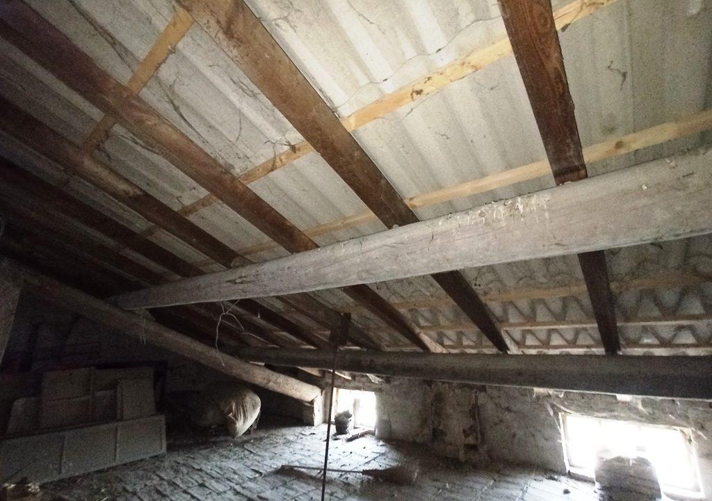 soffitta casa da ristrutturare Colorno campagna