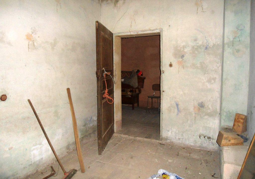 stanza casa in campagna da ristrutturare Parma