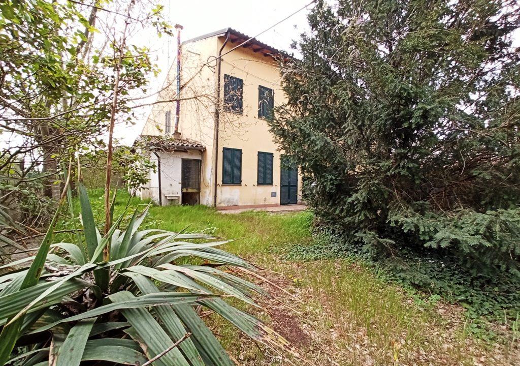 facciata casa a schiera Coltaro