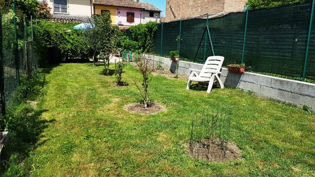 giardino casa vicinanze Colorno