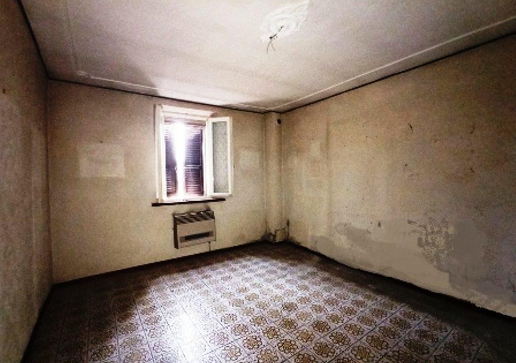 soggiorno casa da ristrutturare Sissa