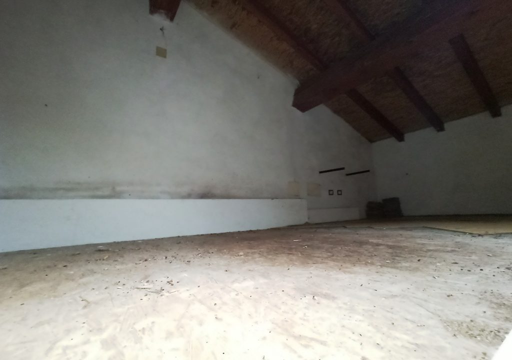 sottotetto casa a schiera Coltaro