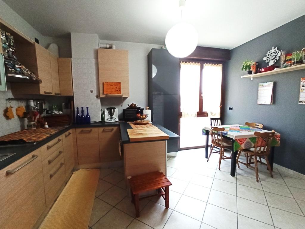Appartamento su 2 livelli con giardino (T7)