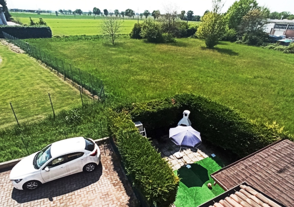 vista appartamento con giardino Torrile