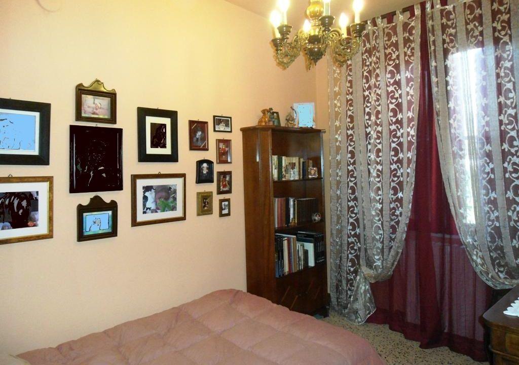 camera 3 casa con giardino Mezzano Superiore