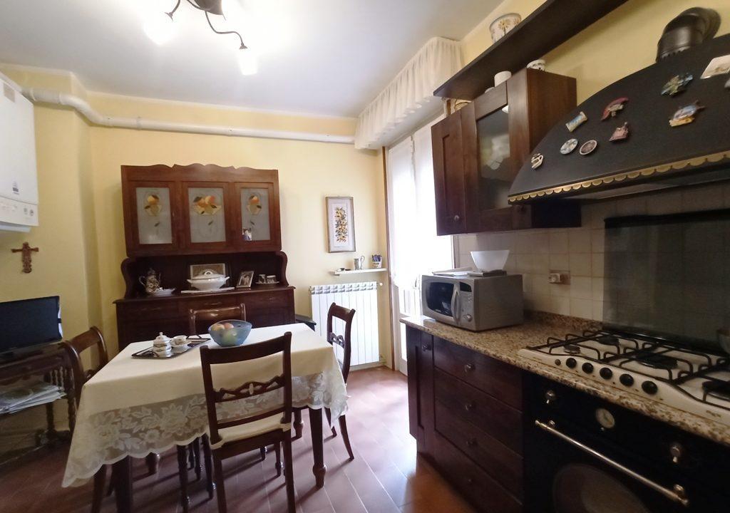cucina trilocale ristrutturato Colorno