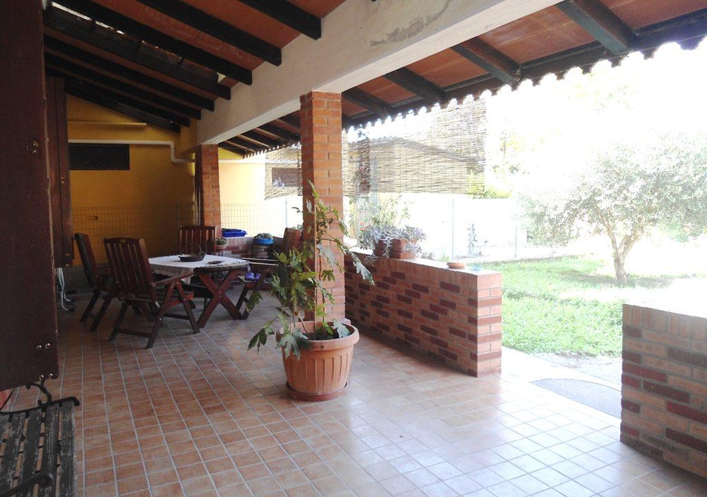 portico casa con giardino Mezzano Superiore