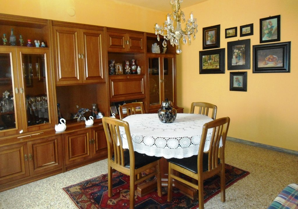 sala da pranzo casa con giardino Mezzano Superiore