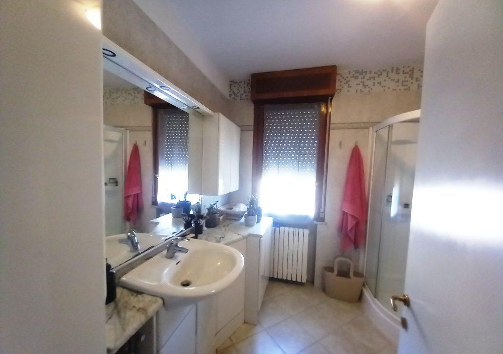 bagno appartamento restaurato Colorno