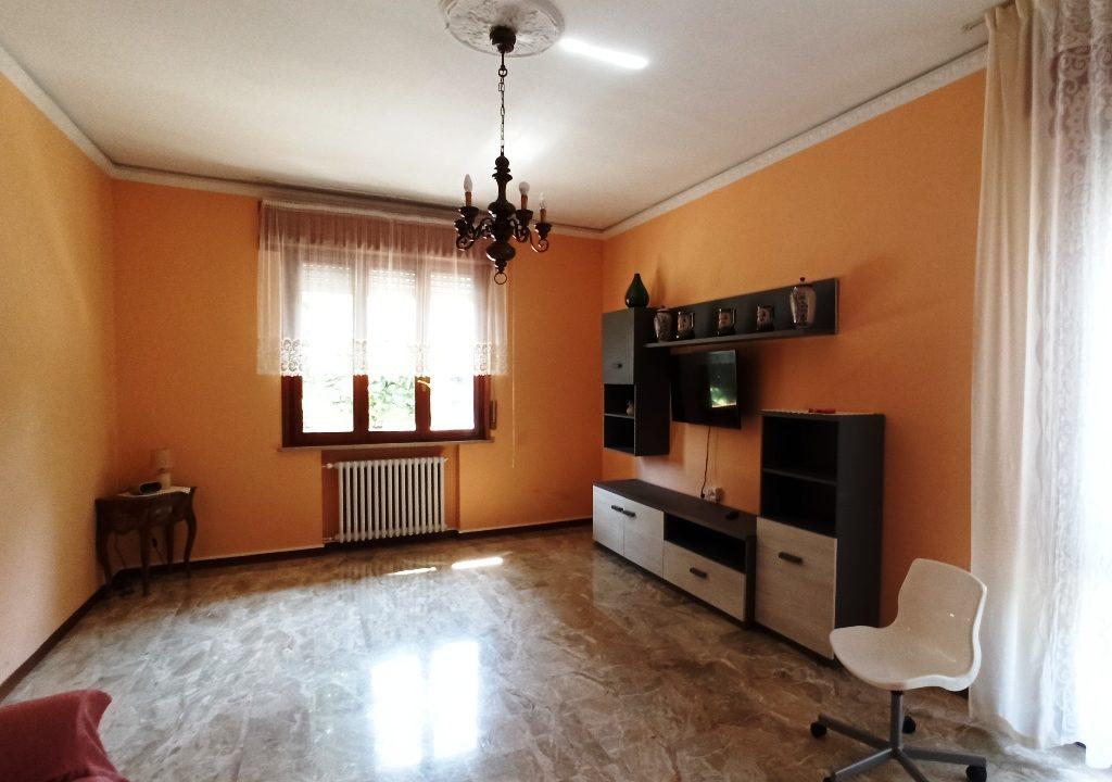 soggiorno appartamento grande Colorno