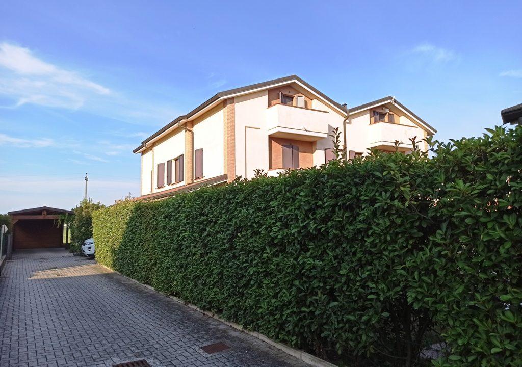 esterno casa a schiera Sant'Andrea