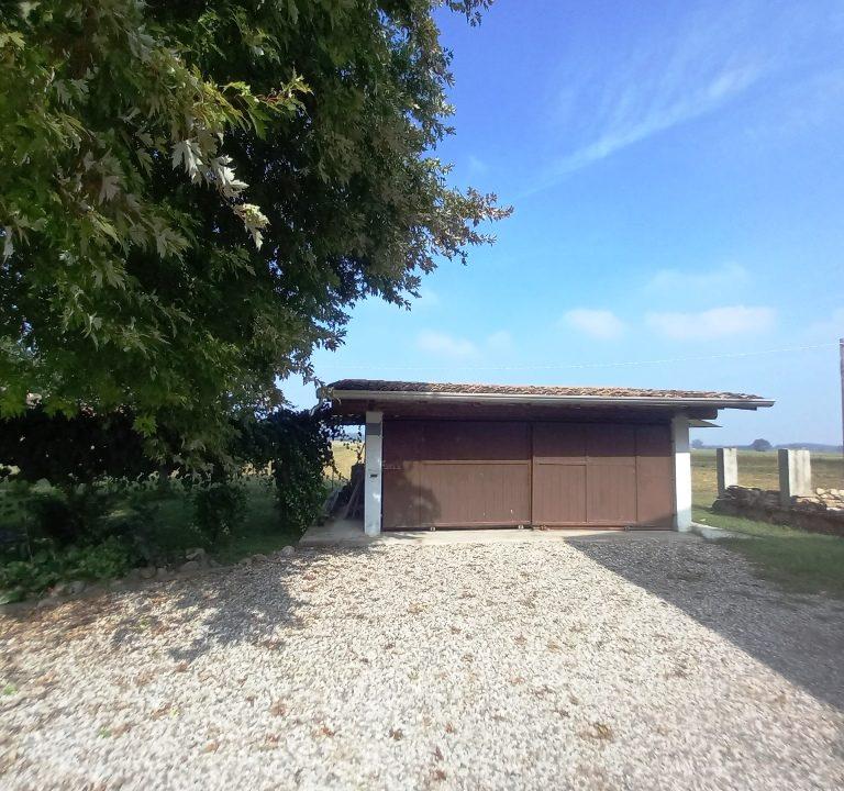 garage casa ristrutturata Colorno campagna